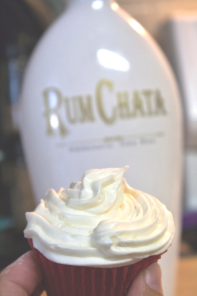 RumChata cupcake recipe and other fun uses for Rumchate. What does Rumchata taste like? If you haven't tried it is seriously it tastes like Cinnamon Toast crunch cereal.
